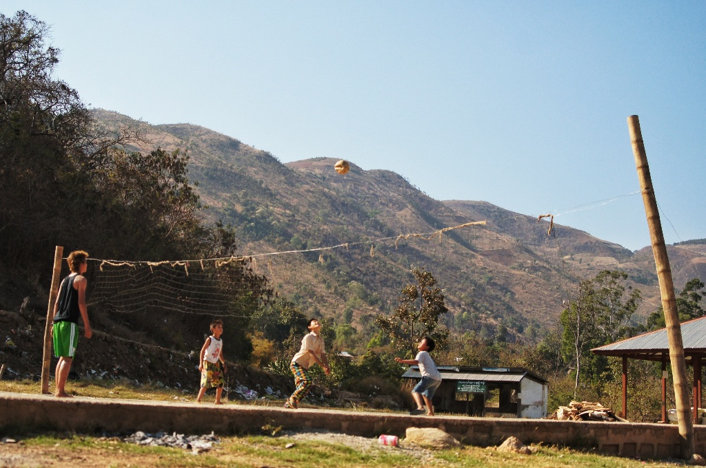 Children playing volleyball in Khaung Daing